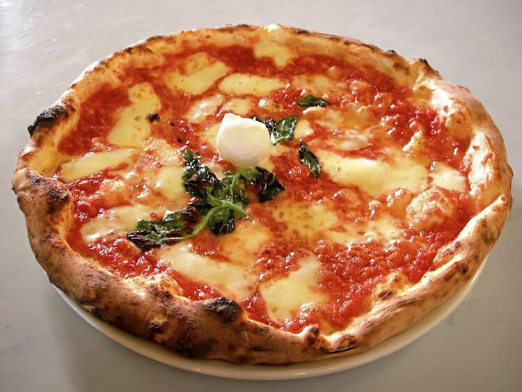 классическая круглая пицца