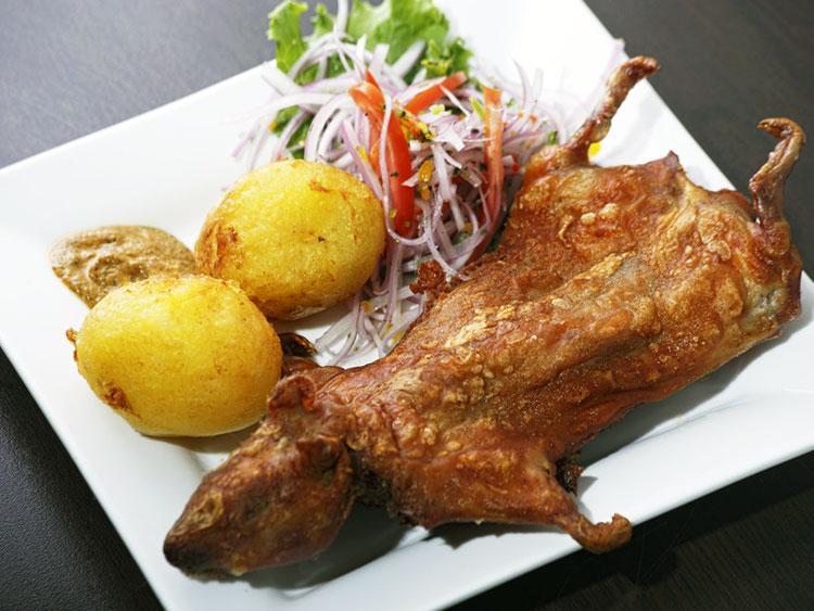 Жареная морская свинка с овощами