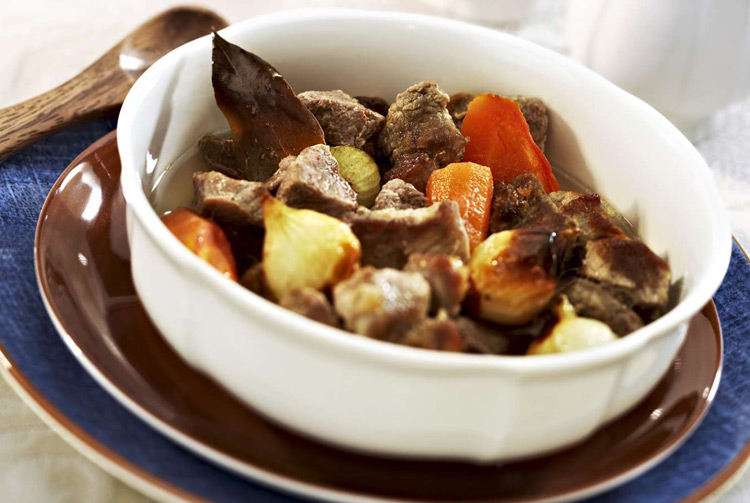 Тушёное мясо по-карельски