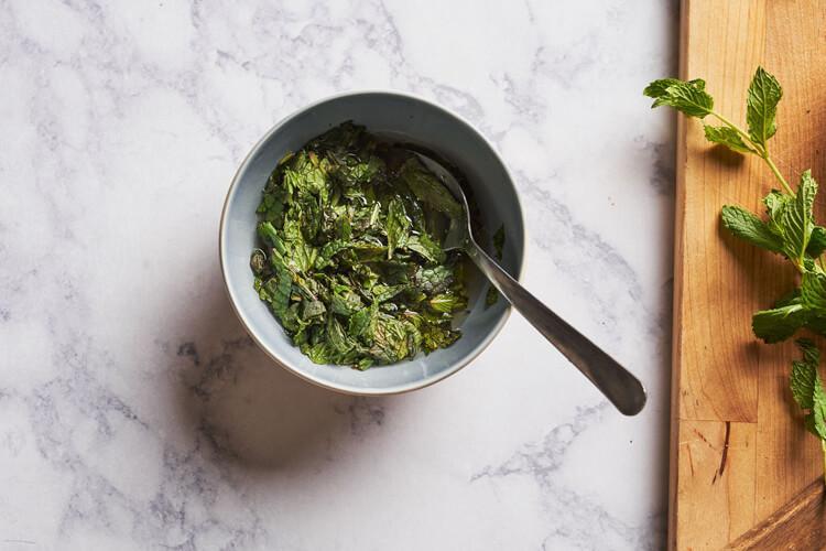 мятный соус домашнего приготовления