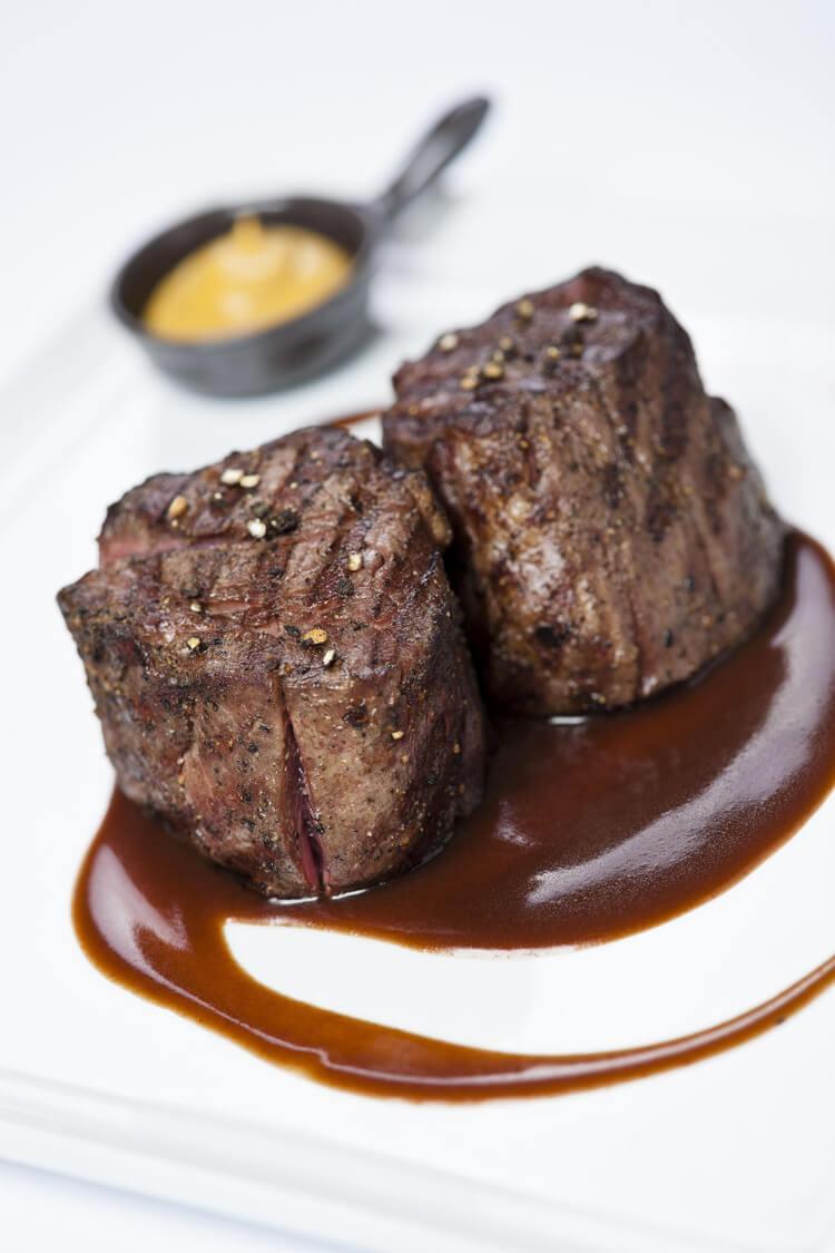 мясо под соусом демиглас