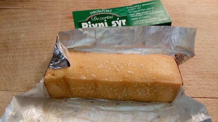 брусок пивного сыра